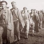 Колонна военнопленных в лагере Тухоль